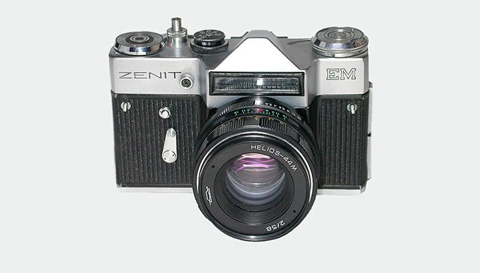 Модель «ЕМ» фотоаппарата «Зенит»