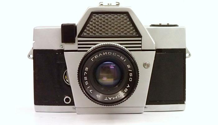 Советский фотоаппарат «Киев-10»