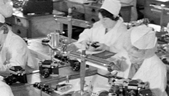 Процесс производства фотоаппаратов в СССР