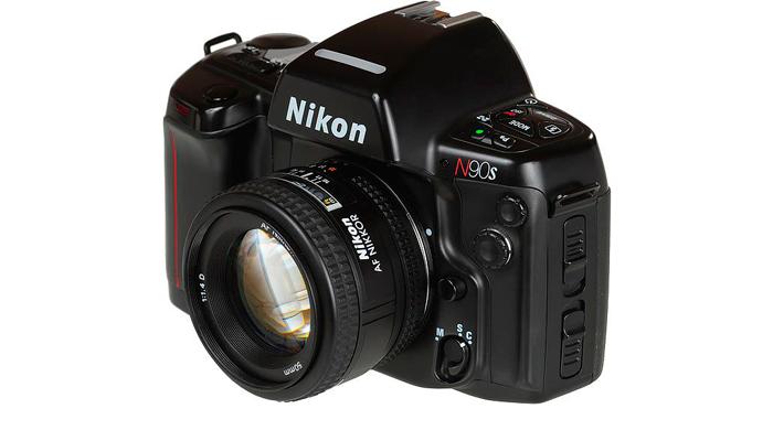 Малоформатный зеркальный фотоаппарат Nicon N90S