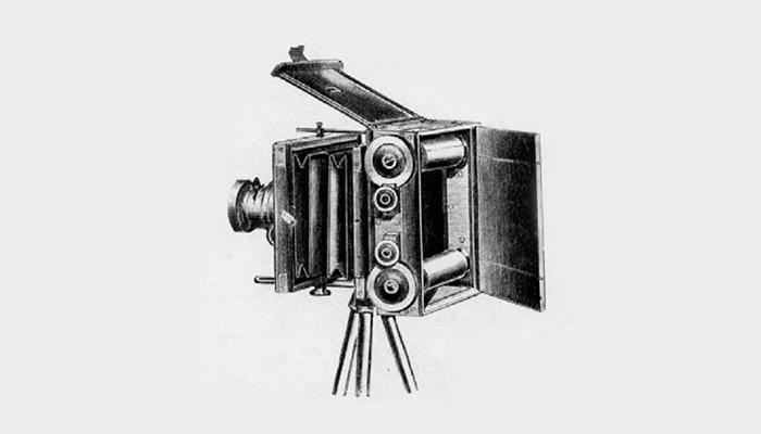 Первый пленочный фотоаппарат