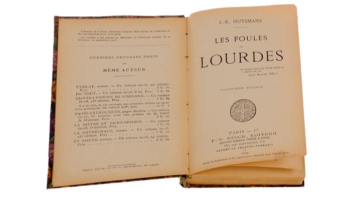 Французская старинная книга «Les foules de lourdes»