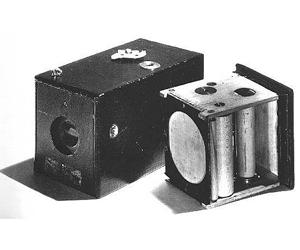 Первые фотоаппараты в мире: когда появились устройства фототехники?